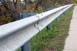 Harga Guardrail Terpasang Murah Tebal 4,5mm Galvanis Hotdeep Tahan Panas Dan Air Hujan